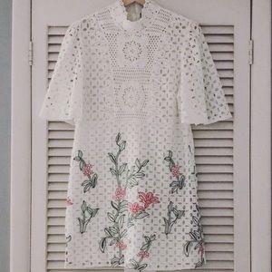 Zara embroidered lace dress sz M